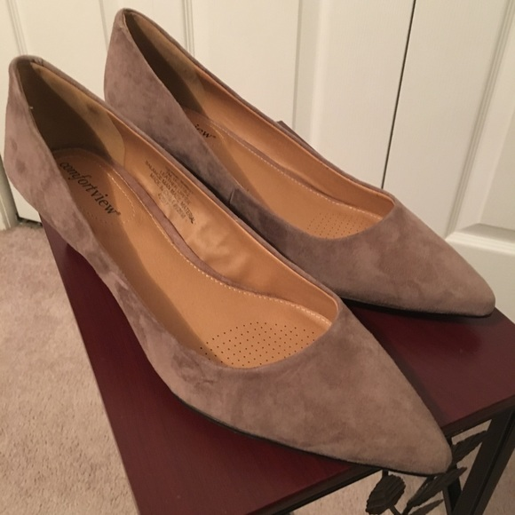 4a8f782d6 Women s Suede Wedge Shoes. NWT. comfortview